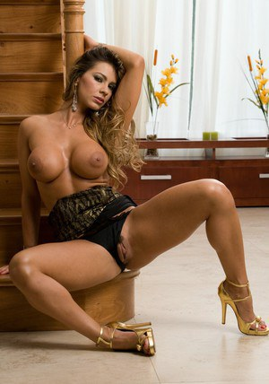Esperanza Gomez  true naked perfection from South America