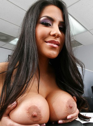 Fervent babe Jenaveve Jolie brings out big tits and sexy butt at work