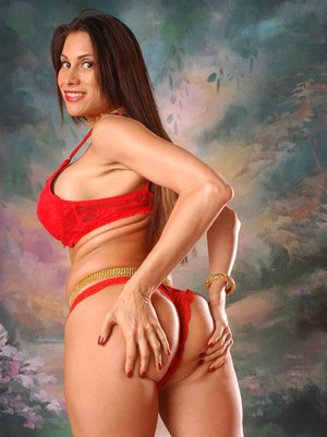 Latina MILF with big tits Sheila Marie boasts of her sweet butt