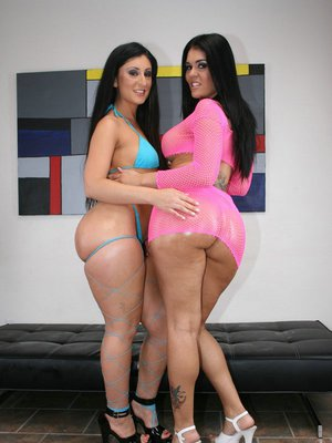 Latina MILFs Olivia Olovely and Luscious Lopez exposes their big butts