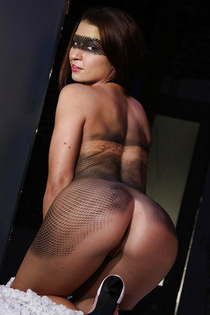 Body painted latina chick Ann Marie Rios showcasing her gorgeous curves