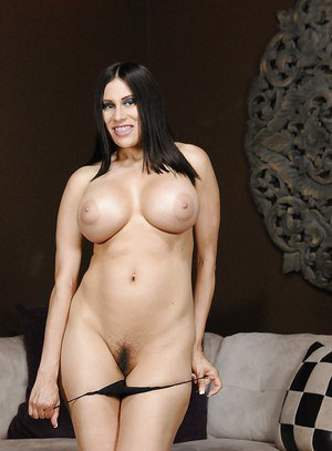 European Latina milf Sheila Marie is a tremendous hooker with big tits
