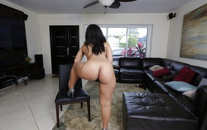 Bootylicious Latina Ava Sanchez does some sexy wiggling today