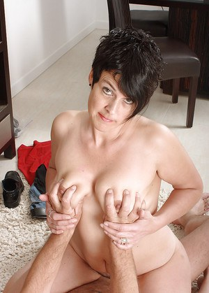 Short haired Latina amateur Bella stripped for banging of hairy cooter