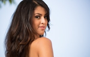Mouth watering Latina stunner Sophia Leone shows off her flawless body