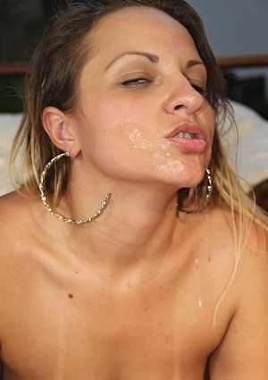 Latina chick Mariana Kriguer sucks off a cock in a bikini and high heels